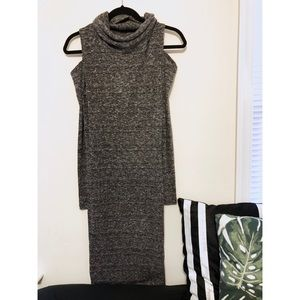 Dresses & Skirts - NEW Cold Shoulder Gray Maxi Sweater Dress (L)